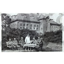 Prent briefkaart mobilisatie 1939 Utrecht Kromhoutkazerne, gezellig zitje in den tuin