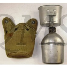 Cover M36 1942 with canteen and cup M1936 (Veldfles met mok en hoes M1936)