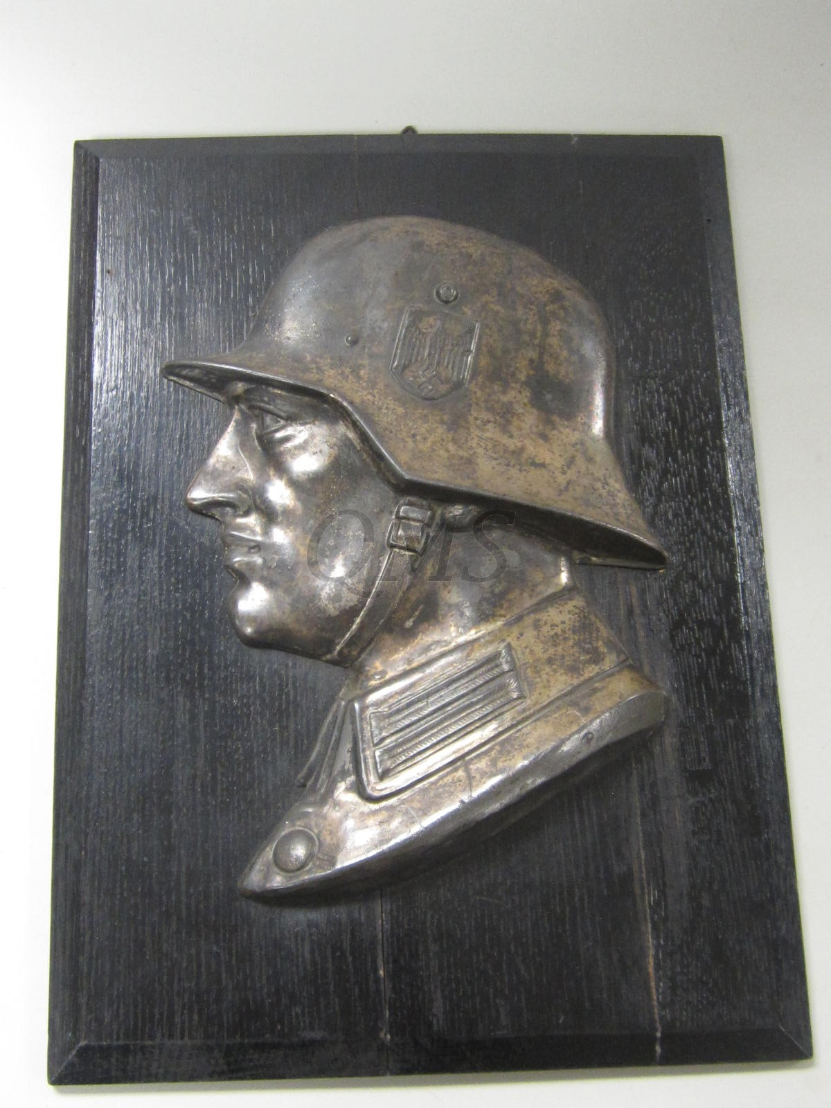 Wall plaque German soldier WW2 on wooden plate