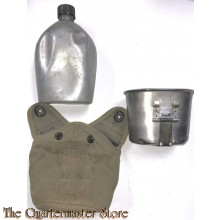 Cover M36 1943 with canteen and cup M1936 (Veldfles met mok en hoes M1936)