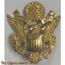 Cap badge US Army Officers British made)