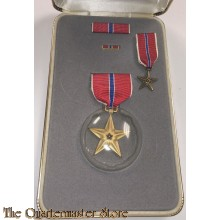 Medaille US Army Bronze Star met miniatuur in doos  (Bronze Star medal with miniature and baton boxed)