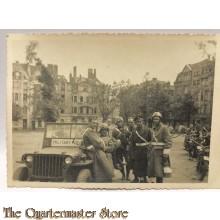 Foto bevrijding Keulen geallieerd (2e Belgisch convooi )1945