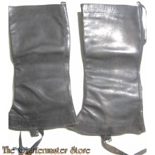 Beenkappen beredenen voor 1940  (Mounted leggings black leather pre 1940)