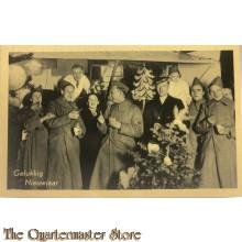Prent briefkaart Mobilisatie 1939 Gelukkig Nieuwjaar soldaten overjas vieren