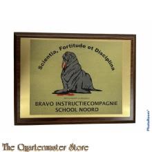 Wandschild BRAVO instructiecompagnie School Noord