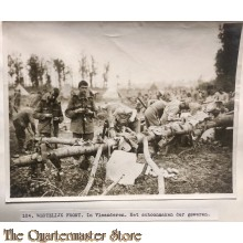 Press photo , WW1 Western front, Flanders , cleaning rifles