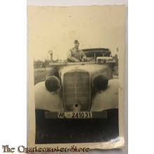 Photo Wehrmacht soldaat in militaire auto WW2