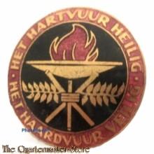 Draaginsigne De Nationaal-Socialistische Vrouwenorganisatie (NSVO)  (NSB NSVO WOMEN BADGE, ''Het Hartvuur Heilig,Het Haardvuur veilig'')