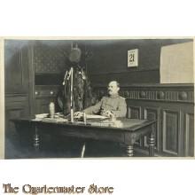 (Feld) Postkarte WK 1 Deutscher Offizier im Buro 1917