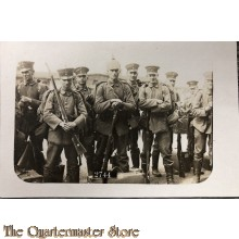 Photo 1917 Soldiers with rifles waiting for transport