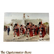 Postcard 1940 the Schots Guards passing the Victoria Memorial after changing guards at Buckingham Palace