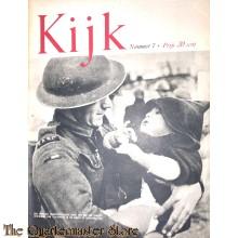 2 Maandelijks blad Kijk no 7 een Engelsche transportsoldaat komt met een der jongste inwoner van Vlissingen in de armen te Breskens aan
