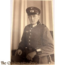 Studio portret soldier 12 Regt ausgeh dress with sidearm