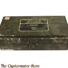 Case Signal Corps radio military tube  CY-684 GR