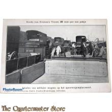 Prentbriefkaart Inladen van Militaire wagens op het spoorwegemplacement 1915-1920