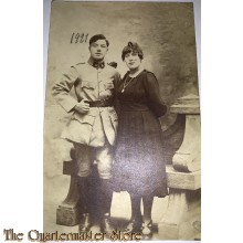 Studio portret soldier with wife belgium 1921