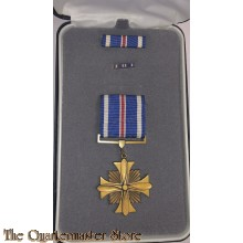 Medal US Army Distinguished Flying Cross with ribbon originaly boxed