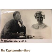 Prent briefkaart mobilisatie 1939 In gedachten ben ik bij je (rokende soldaat)