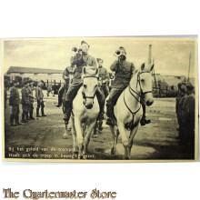 Prent briefkaart mobilisatie 1939 Bij het geluid van de trompet heeft zich de troep in beweging gezet
