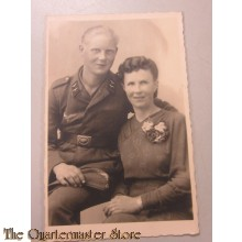 Photo (Mil. Postcard ) Luftwaffe man mit Mutter