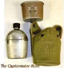 Cover M19136 British Made with canteen and cup (Veldfles met mok en british made hoes M1936)