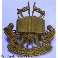 Cap badge Army Educational / Education Corps