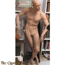 Etalage figuur relaxed staand  (Mannequin standing relaxed)