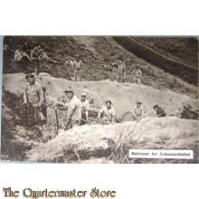 Ansichtkaart (Mil. Postcard)  Matrozen bei Schanzarbeiten 1917-18