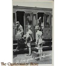 Prent briefkaart  mobilisatie 1940 Ik ben goed aangekomen (4 soldaten bij coupe)