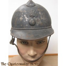 Steel Helmet, M1915 Adrian Pattern: French Infantry