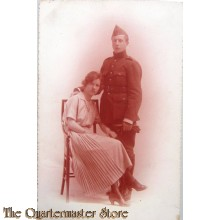 Studio portret Belgian soldier with sitting wife