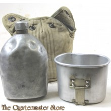 Cover M36 1942 with M1910 canteen and cup (M1910 Veldfles met mok en hoes M1936)