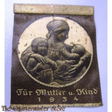 Spendeanzeichen fur Mutter u Kind 1934 (Donation badge 1934)