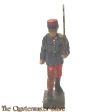 Lineol French Poilu/soldier WW1 marching with rifle