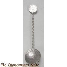 Thee/koffie lepel van  1/2 gulden en 10 cent zilver , anti duits